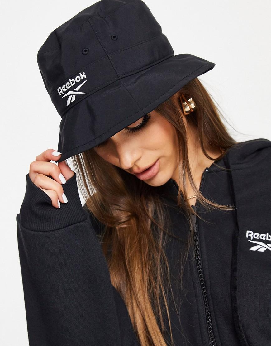 Reebok Logo bucket hat in black