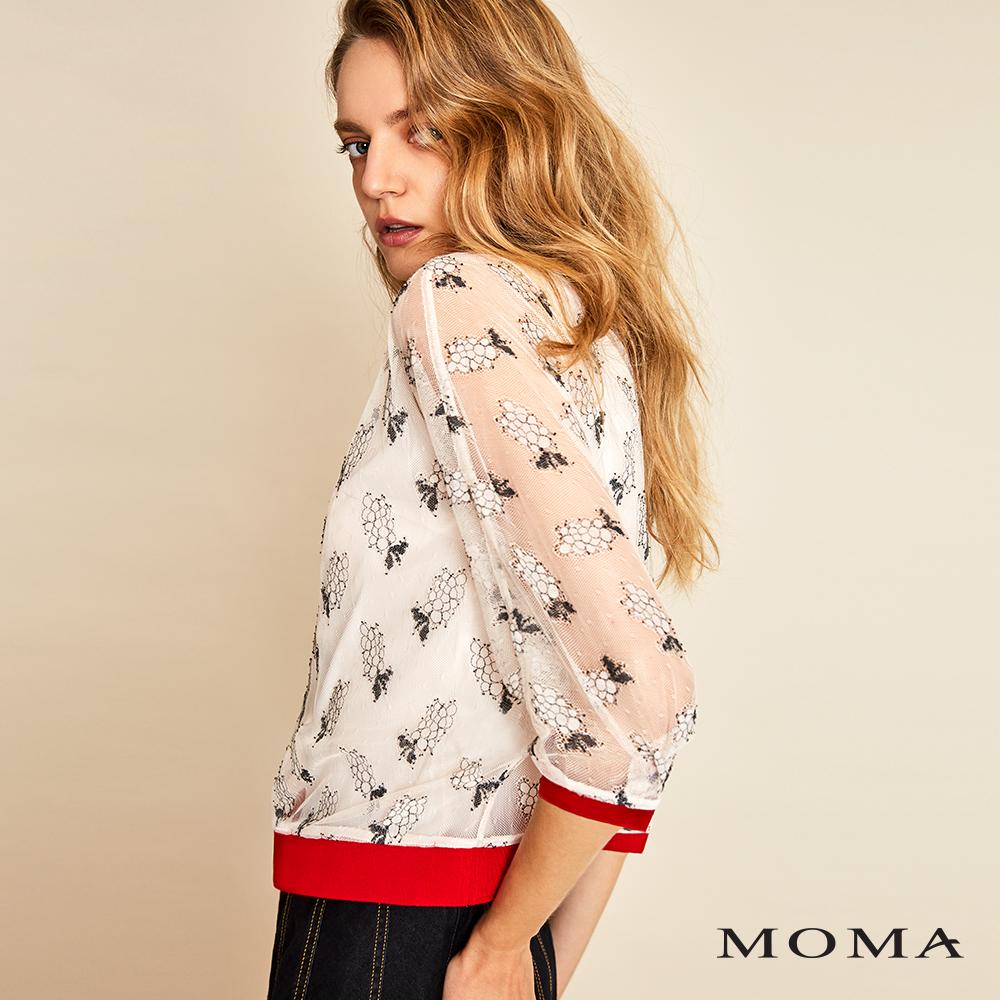 MOMA(01G005)蕾絲寬版上衣