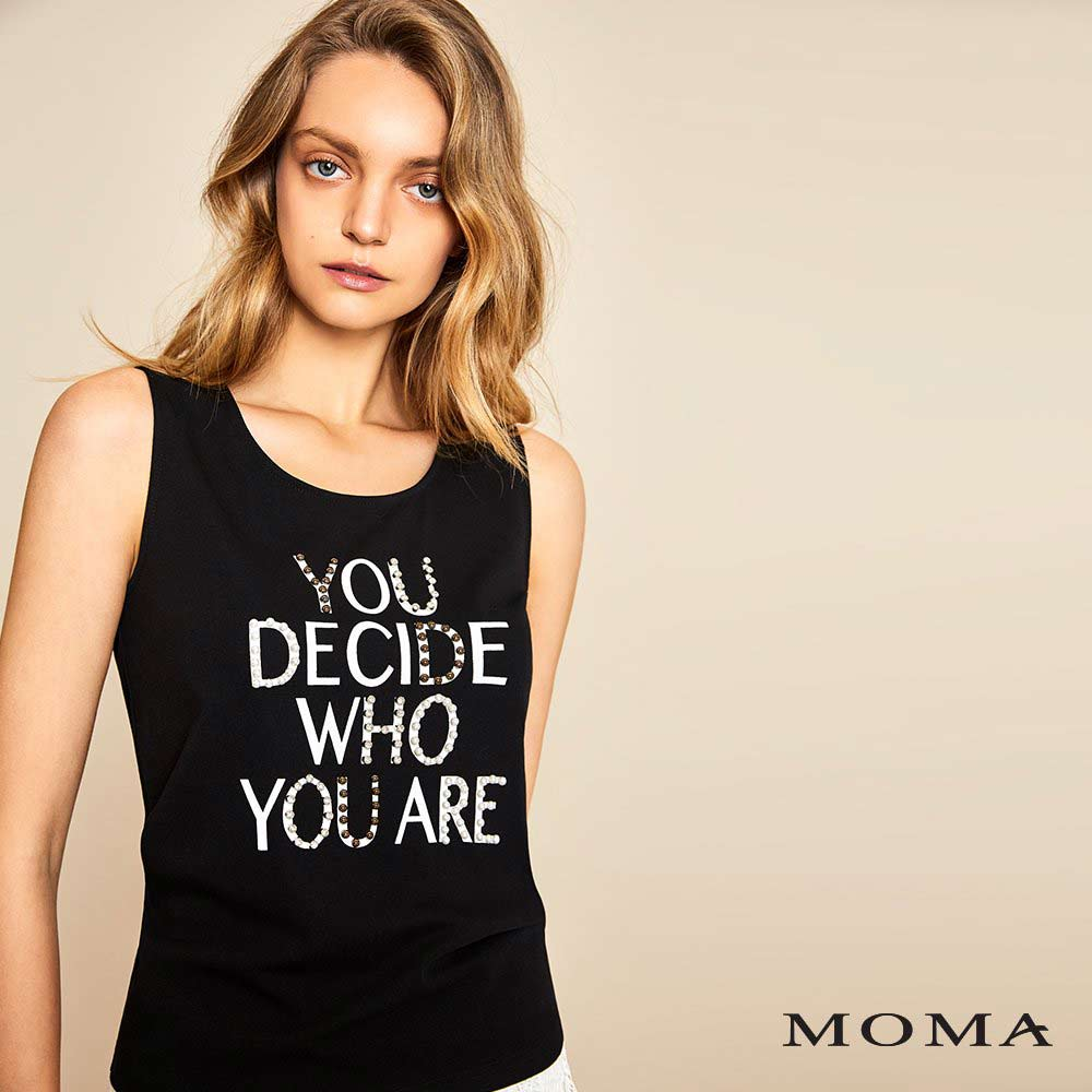 MOMA(01M057)個性標語上衣