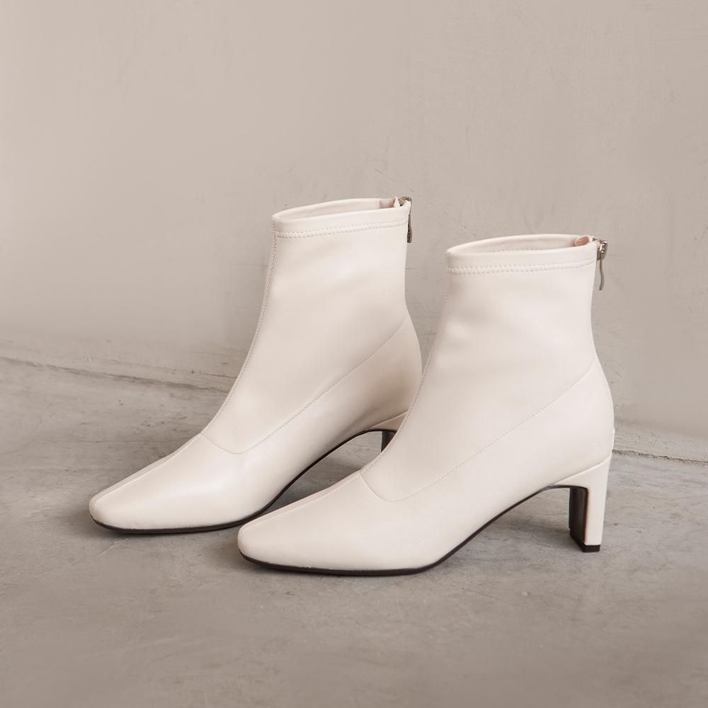 纖腿對策.彈性皮革後拉鍊綁帶扁跟靴  米白 (802350)