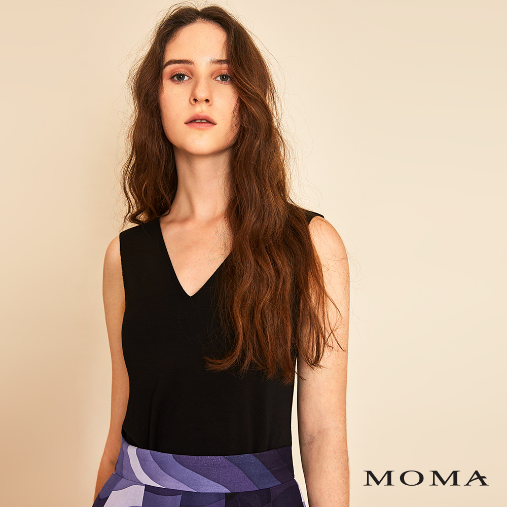 MOMA(01M009)簡約無袖上衣