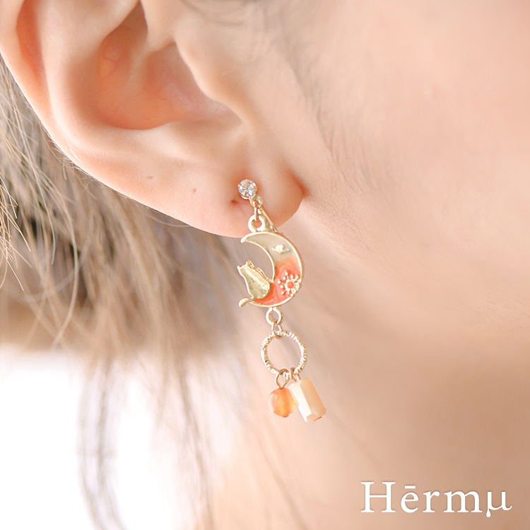 Hermu設計款-月亮貓咪與流星不對稱耳夾-B10146