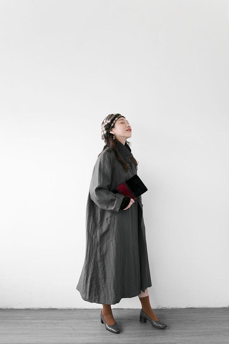 深灰色雙釦立領特殊皺皺面料內裡可拆雙層風衣外套