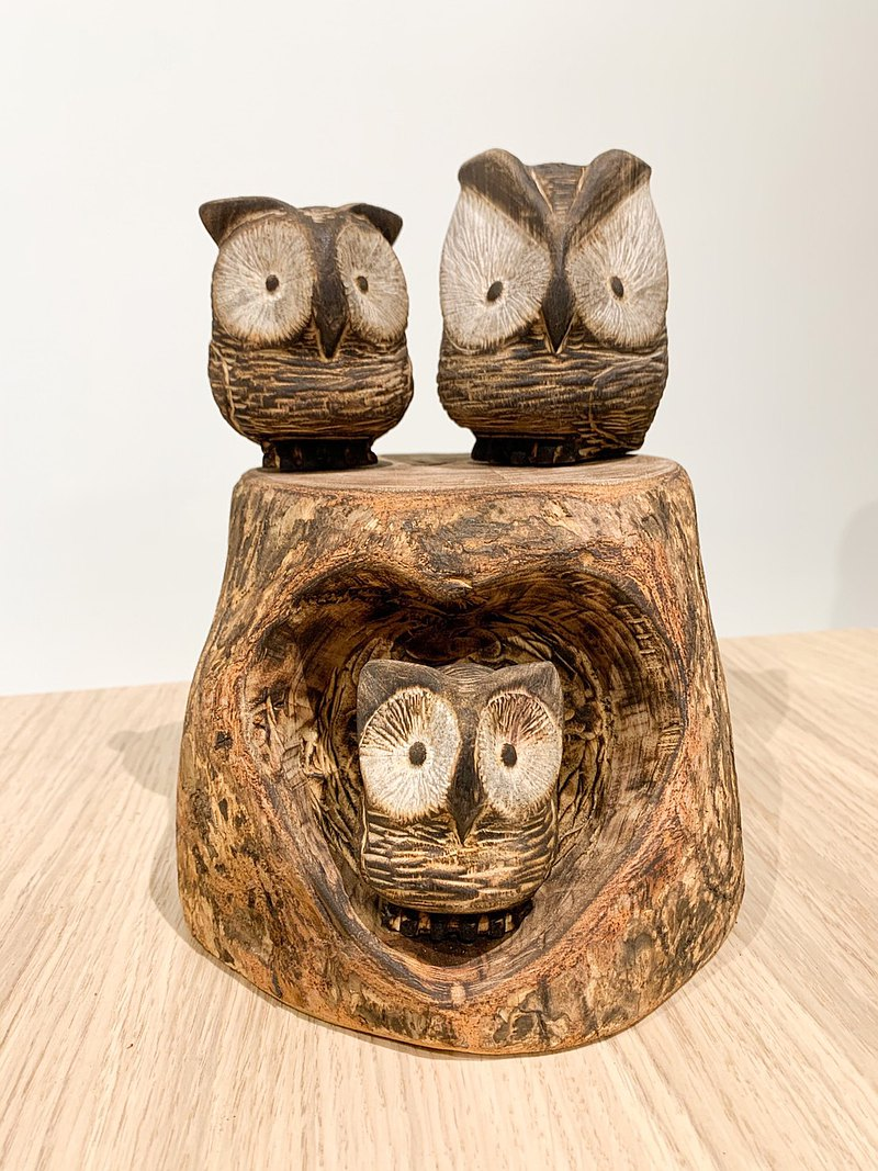 療癒樹洞木雕貓頭鷹