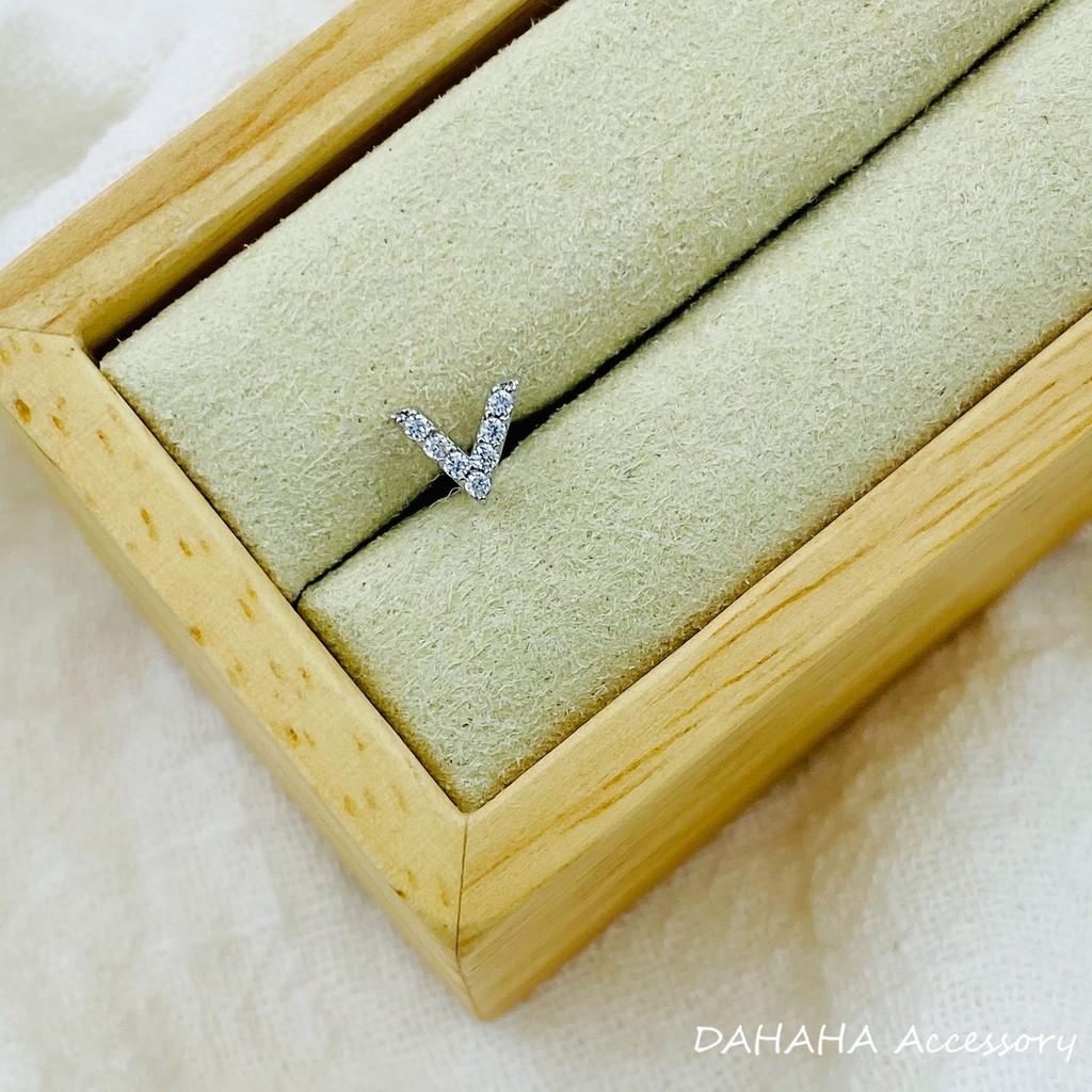 DAHAHA Accessory|細針 鎖式 V 鑽 純鋼 耳環