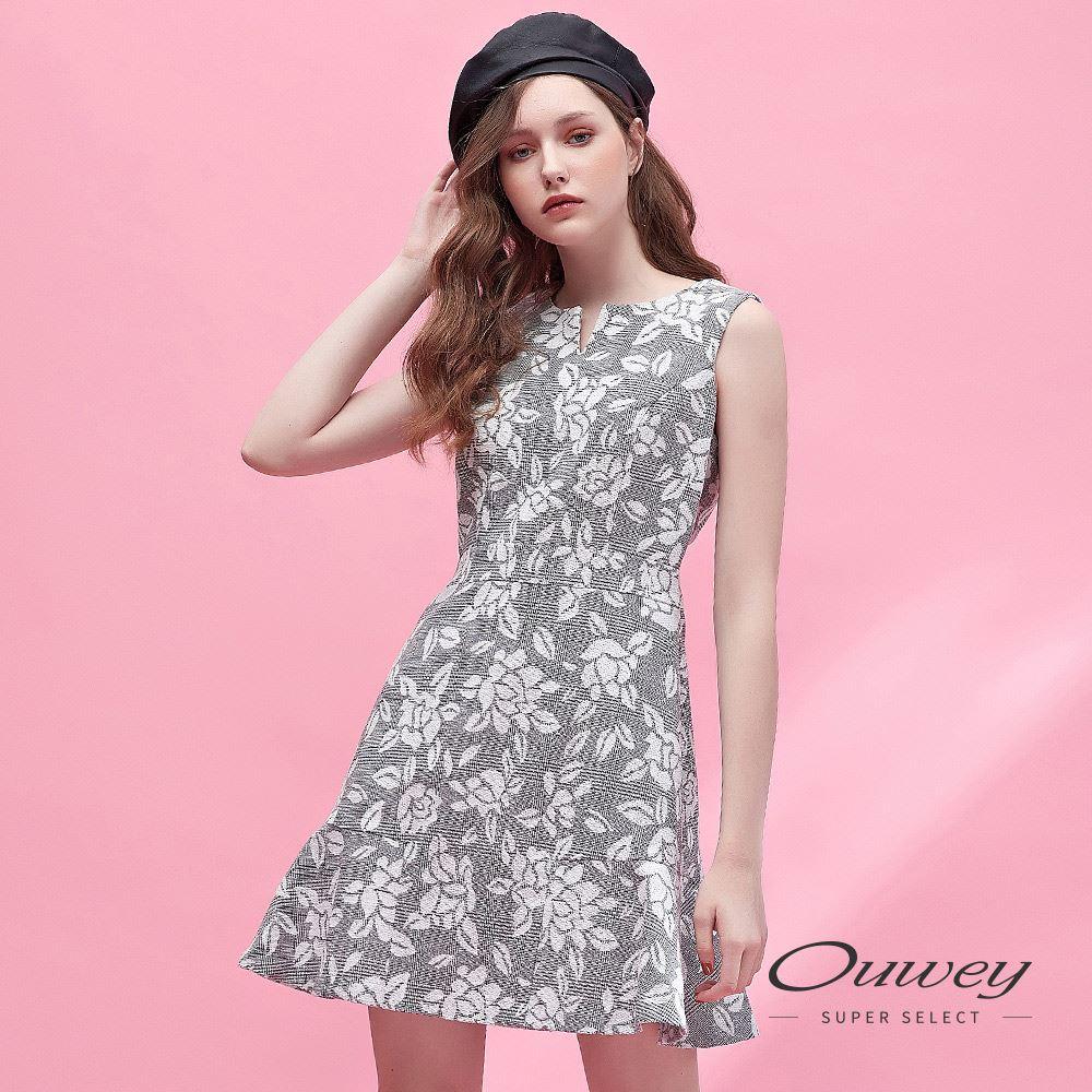 OUWEY歐薇 花卉緹花領口造型剪裁背心洋裝(灰)H51759