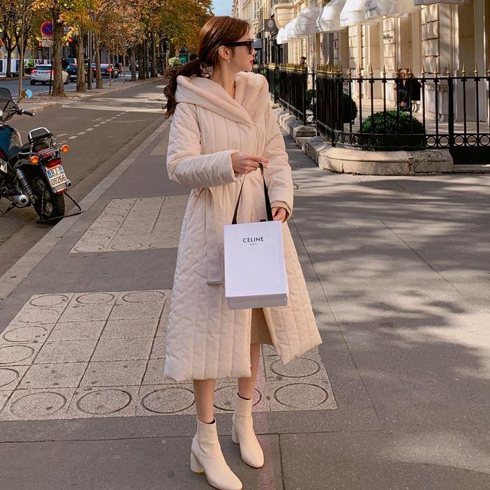【限量現貨供應】外套.韓系保暖合身毛絨大翻領收腰連帽長版鋪棉大衣.白鳥麗子