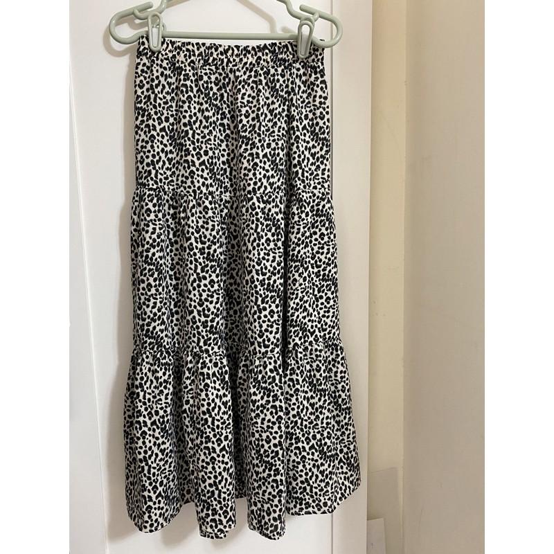 豹紋雪紡長裙,這個顏色很可以,質感棒棒
