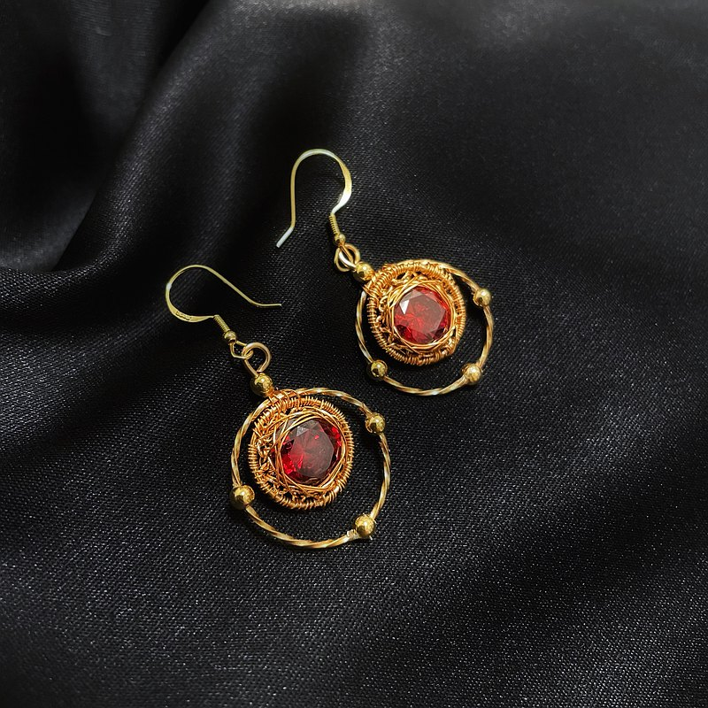 手工編織【圓舞曲】紅鋯石耳環