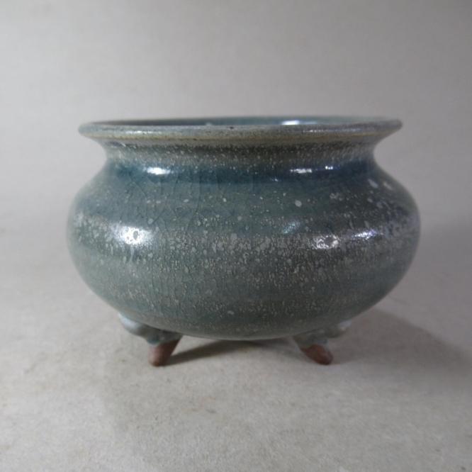 宋遼金元單色釉老瓷器越窯系三足小香爐收藏佳品