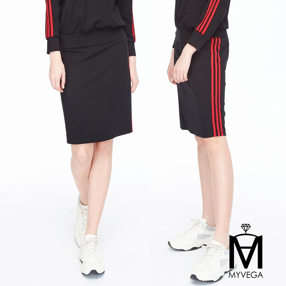 【麥雪爾】MA潮流側紅邊運動短裙-黑