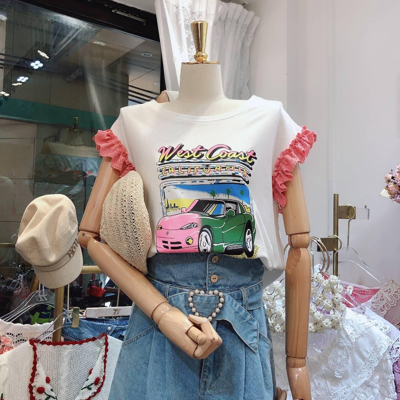 韓國東大門設計款蕾絲拼接飛袖卡通t短袖上衣  VINA扉娜【現】TOP200749