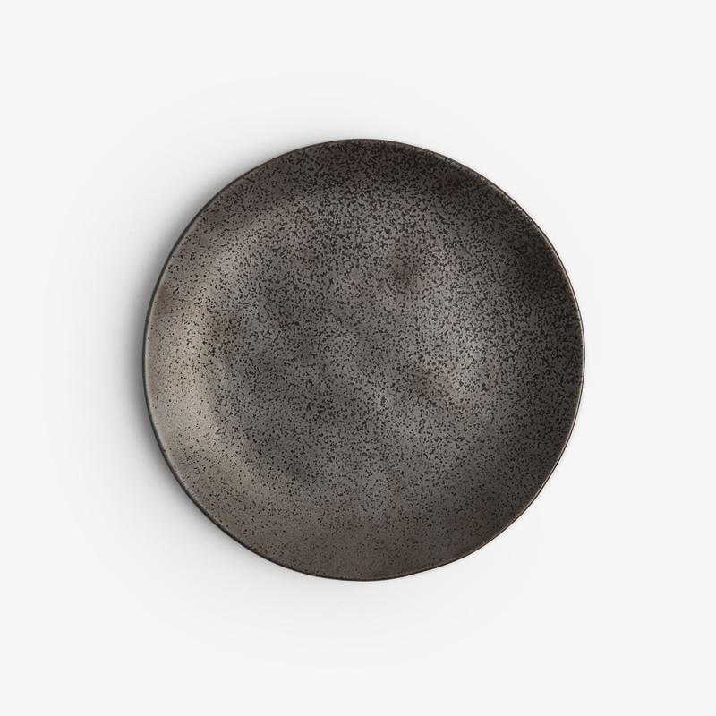 日式 手捻鈦金 20cm 陶瓷圓盤|灰黑|單品