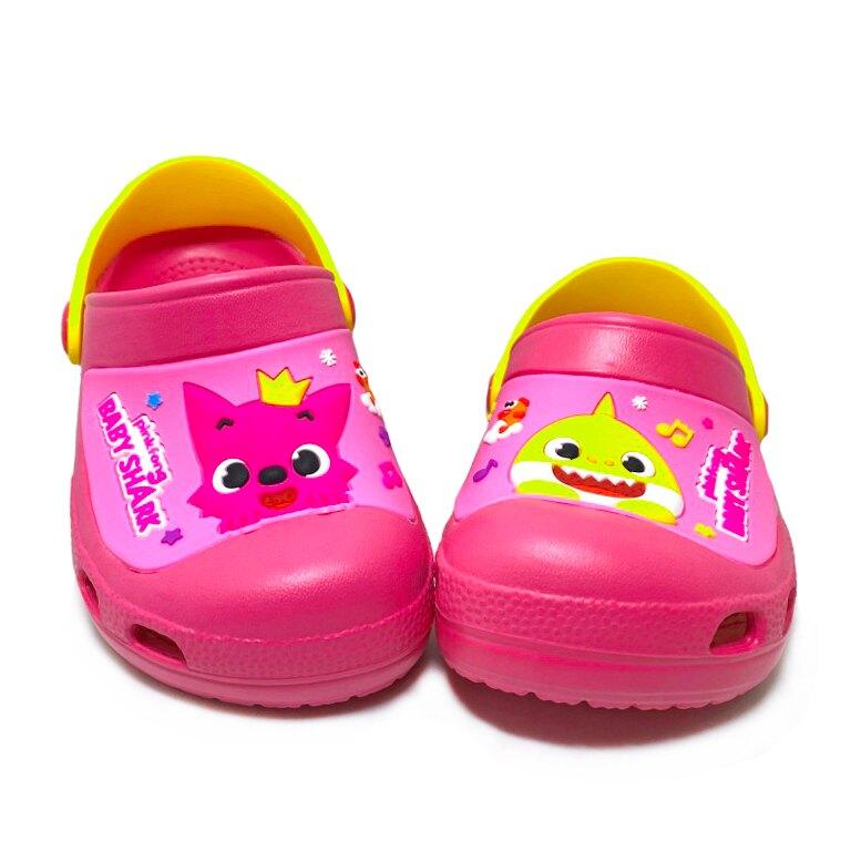 【滿額領券折$150】PINKFONG碰碰狐 鯊魚寶寶 童款兩穿式防水涼拖鞋 園丁鞋 布希鞋 [PIKS96522] 桃 MIT台灣製造【巷子屋】