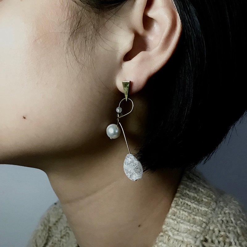 •初春•  白水晶平衡系半寶石耳環