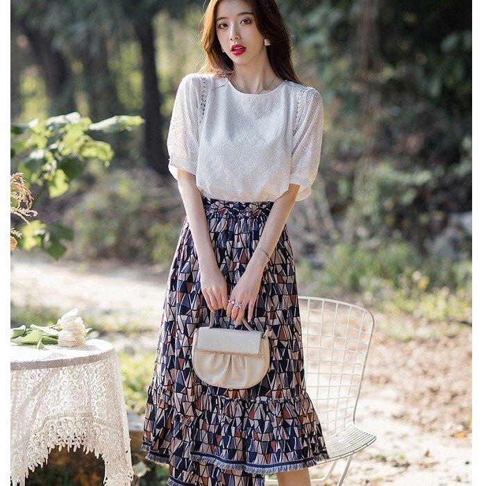 灰姑娘[99160-QF]民族風不規則裙襬兩件套裝(上衣+裙)