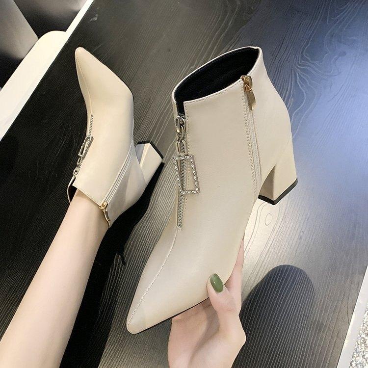 粗跟短靴 尖頭短靴女春秋2021新款韓版靴女裸靴高跟粗跟英倫風馬丁靴春季夏季 時尚學院