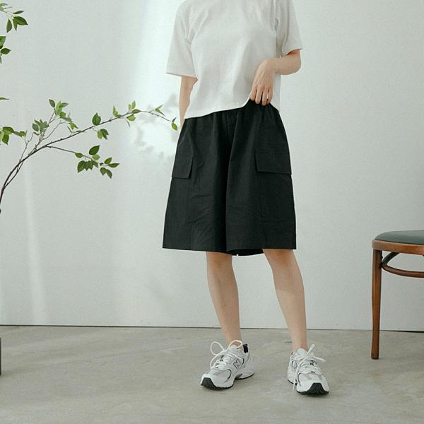 Queen Shop【04130119】鬆緊設計側口袋五分短褲 三色售*現+預*