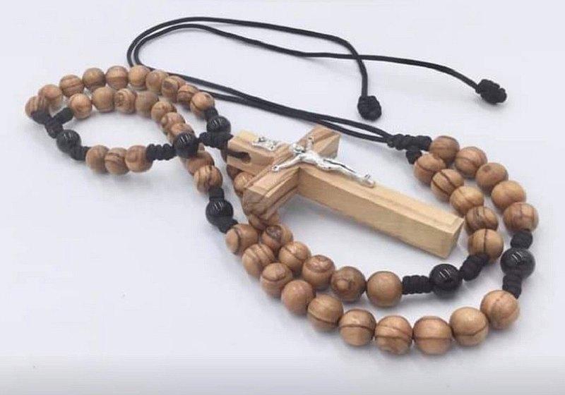 以色列進口橄欖木耶穌苦像十字架黑瑪瑙念珠(8mm) 8230810