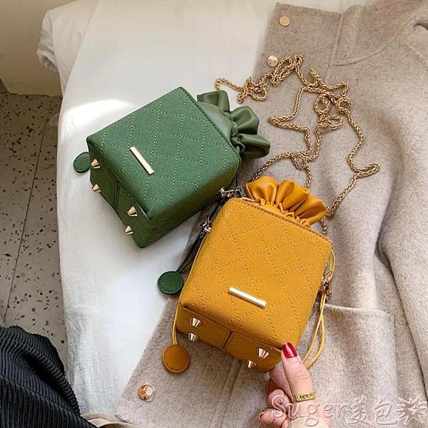 手機包 高級感網紅包包女包新款2021潮春季百搭斜背包迷你小包鍊條水桶包  新品