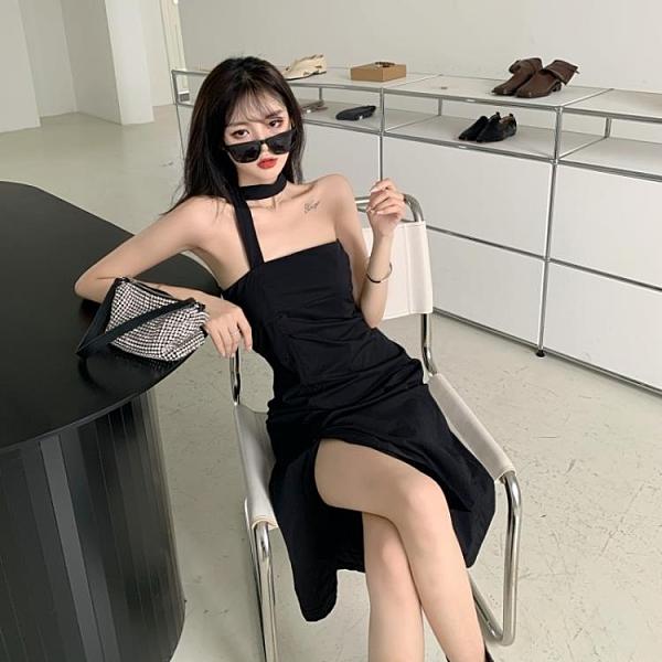 港风一字露肩小黑裙设计性感小众开叉挂脖抹胸吊带洋裝子女夏