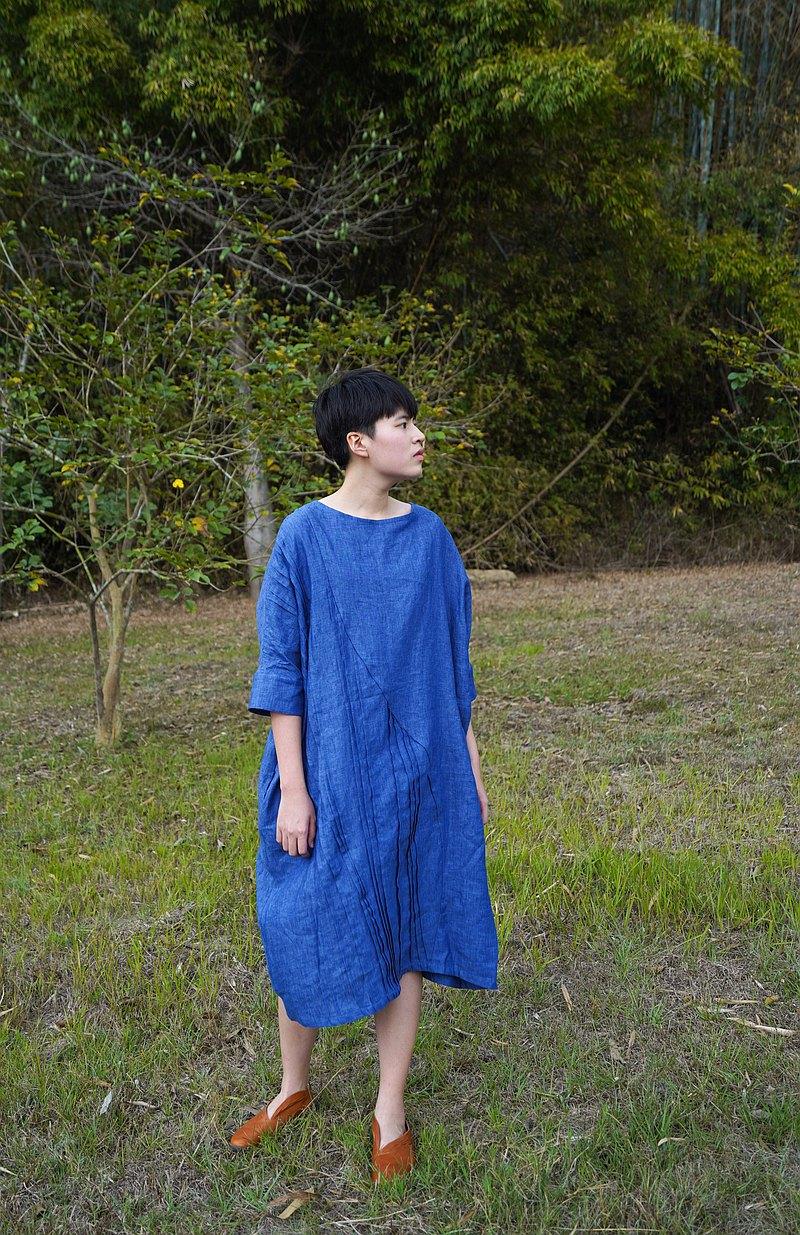 亮寶藍褶子亞麻七分袖長洋