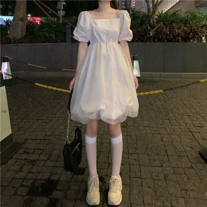 洋裝 2021新款法式超仙森系裙子收腰顯瘦泡泡袖洋裝女夏季白色蓬蓬裙-莎韓依