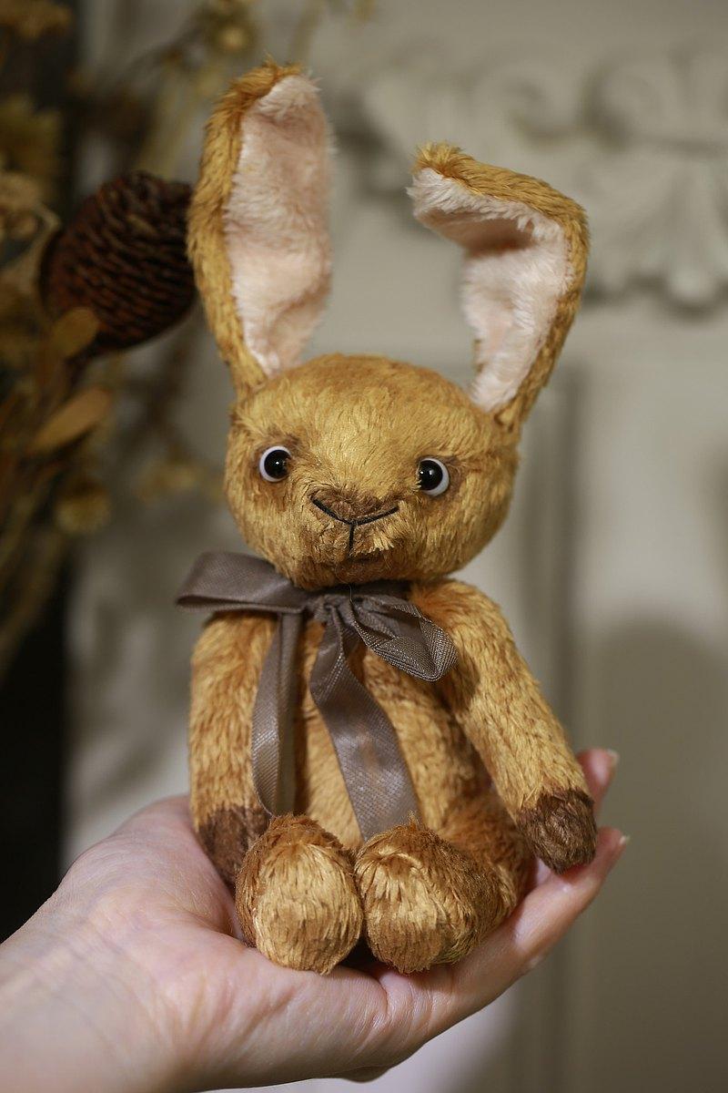 手工五關節兔子玩偶 藝術家泰迪熊
