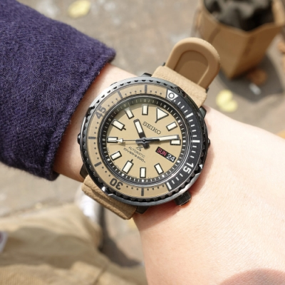 SEIKO 精工 PROSPEX 鮪魚罐頭 潛水錶 機械錶 日期星期 矽膠手錶-卡其色/43mm
