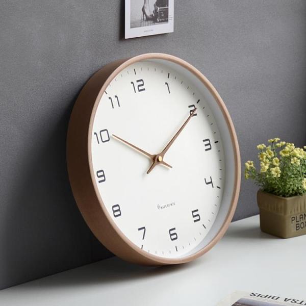 掛鐘 北歐鐘錶實木掛鐘客廳靜音簡約時鐘輕奢鐘飾現代時尚創意個性【快速出貨】