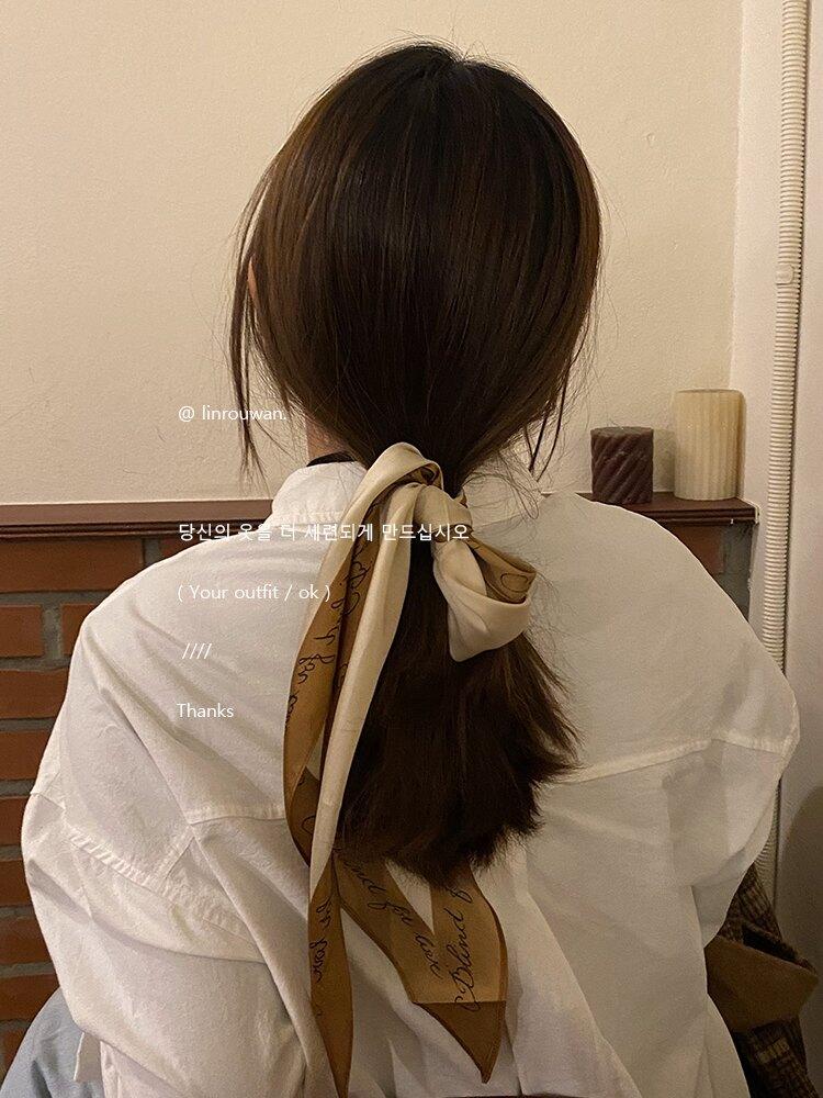 林肉完/ N種用法 法式時髦簡約字母愛心絲巾撞色涂鴉方巾頭巾