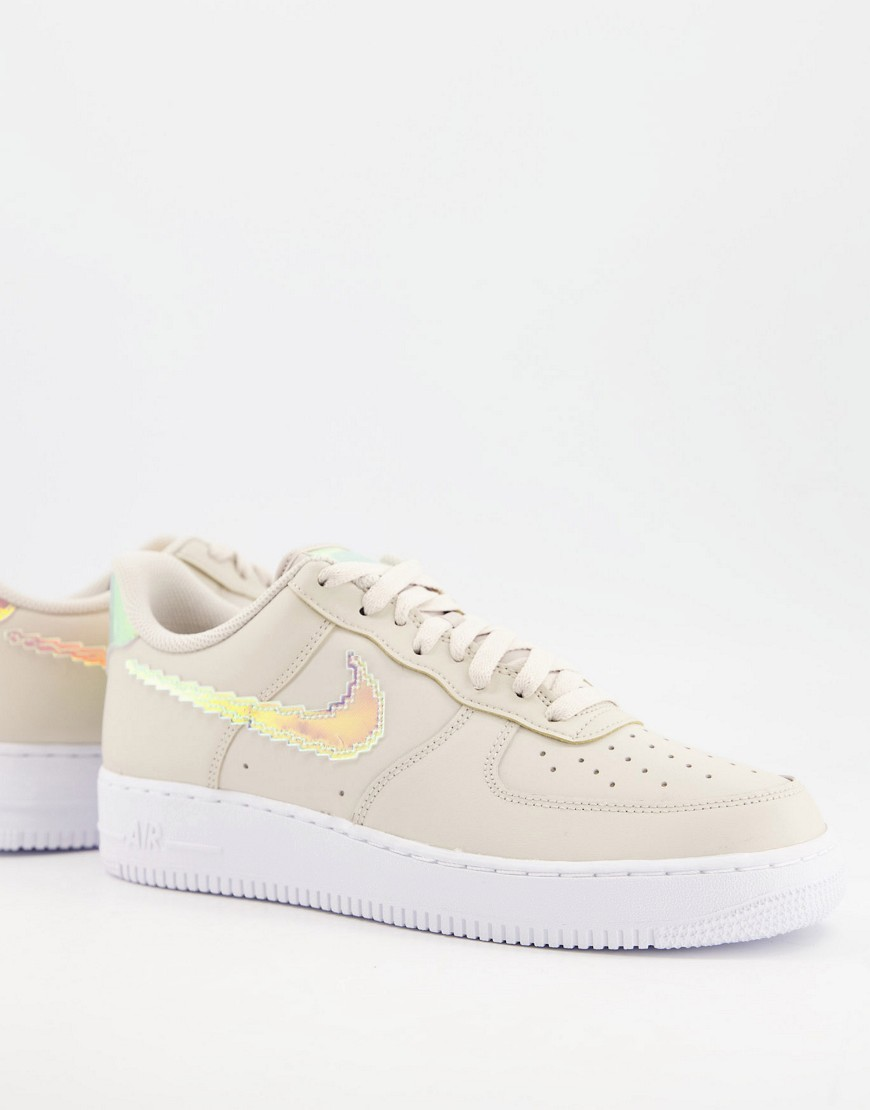 Nike Air Force 1 '07 LV8 trainers in desert sand-Neutral