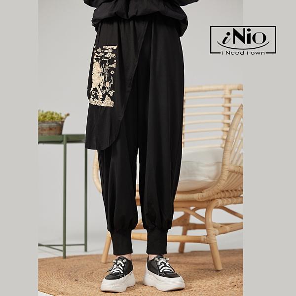 刺繡設計鬆緊腰長褲老爺褲老爹褲(S-L適穿)- 現貨快出【C1W2008】 iNio 衣著美學