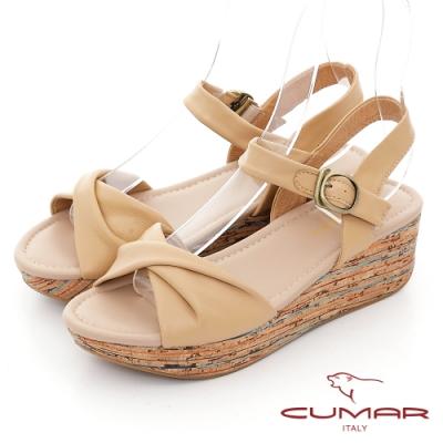 【CUMAR】波西米亞風扭轉一字帶坡跟涼鞋-杏