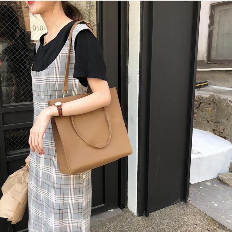 韓版百搭氣質大容量側背包 送小化妝包 兩用包 手提包 素色單肩包 背包 新年禮物