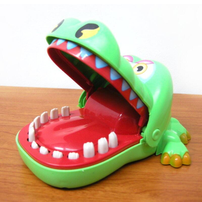 鱷魚先生拔牙咬人遊戲 咬手指的大嘴巴鱷魚玩具 搞怪整人玩具【DF485】