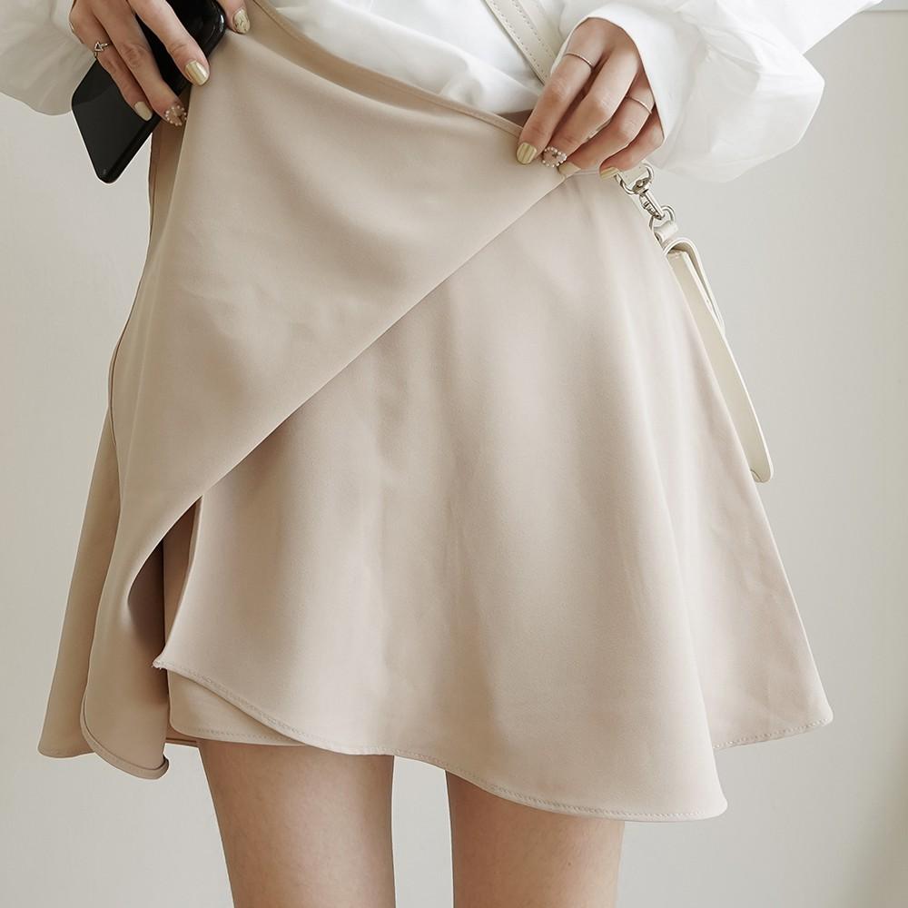 洋芋妹-正韓氣質親膚柔軟附內裡鬆緊腰短裙 2色【SA547695】