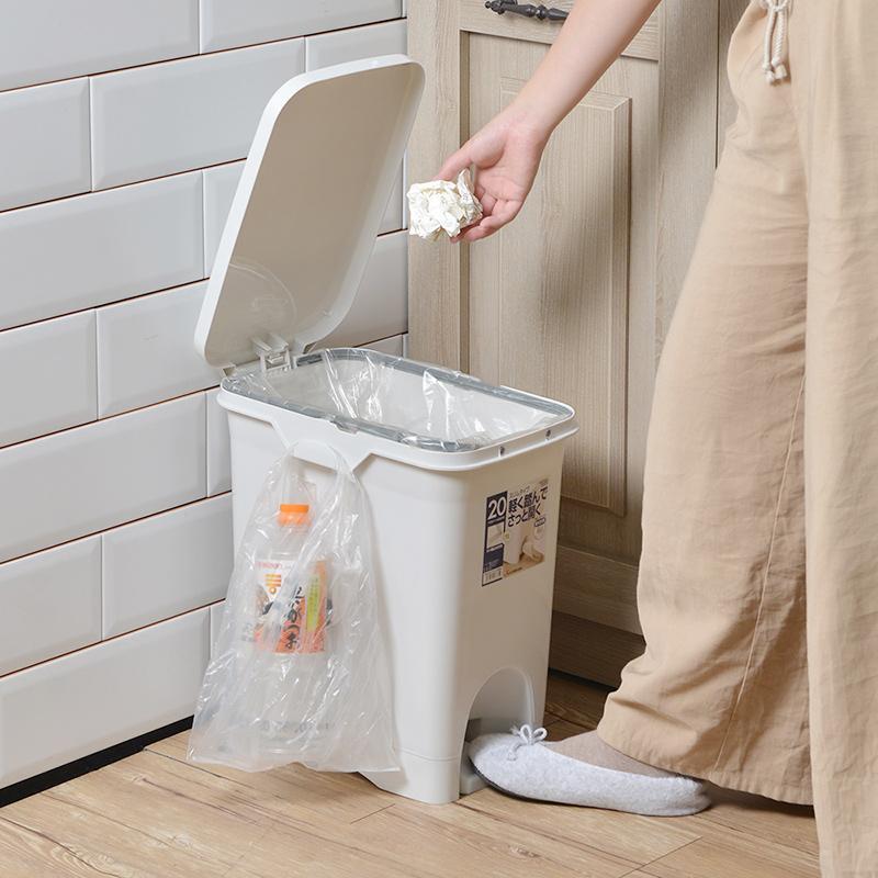 不沾手長形腳踏式垃圾桶(附分類掛勾)-20L