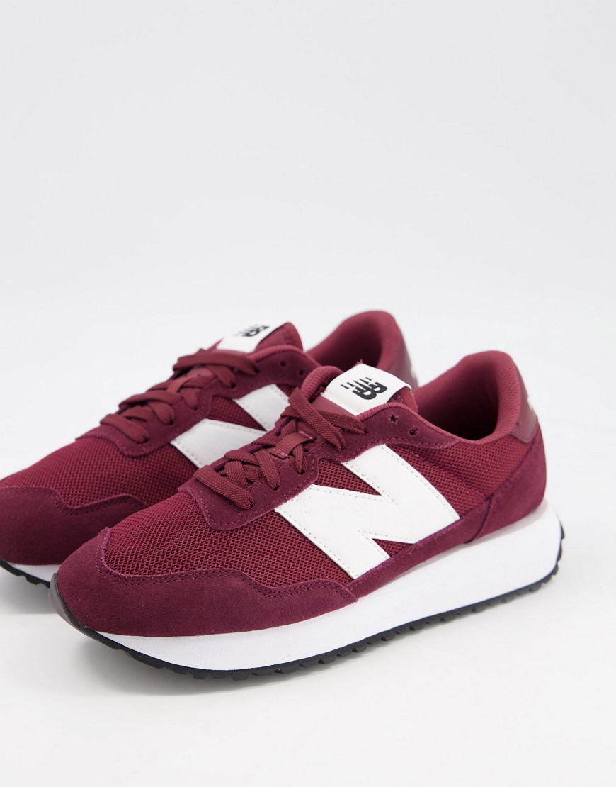 New Balance 237 trainers in burgundy-Red