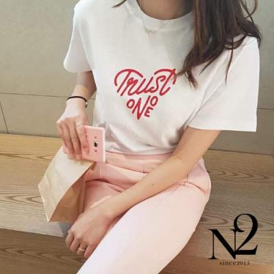 上衣 正韓文字造型愛心棉質T短袖上衣(白)N2