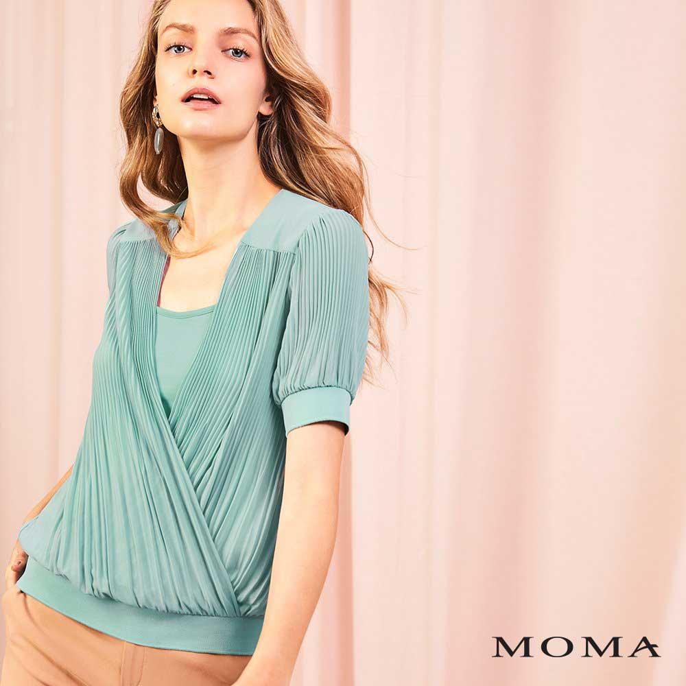 MOMA(01G077)壓褶交疊上衣