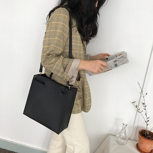 女士包包2021新款時尚韓版復古方包手提斜背大容量簡約側背子母包 伊蘿