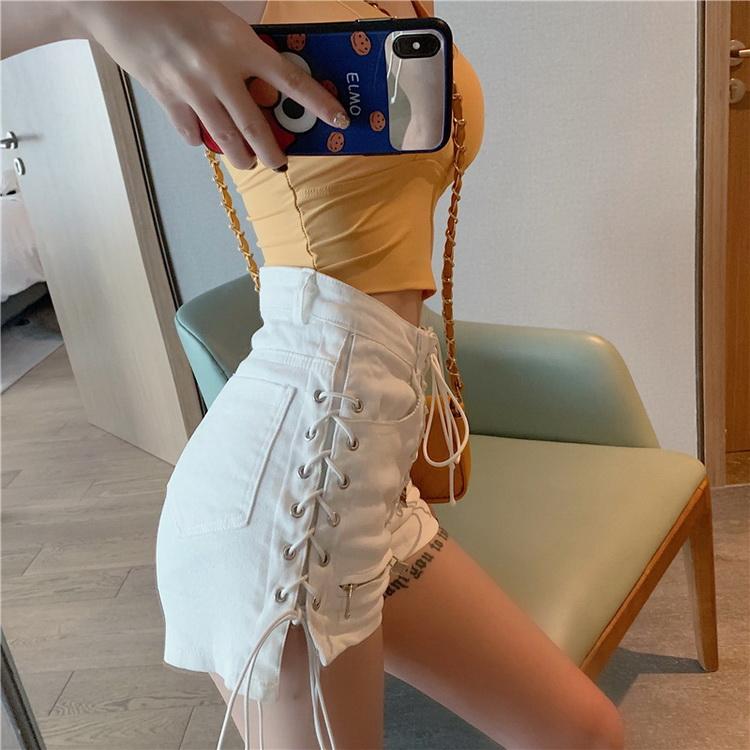 VIVILIAN重工個性綁帶高腰牛仔短褲-米白色