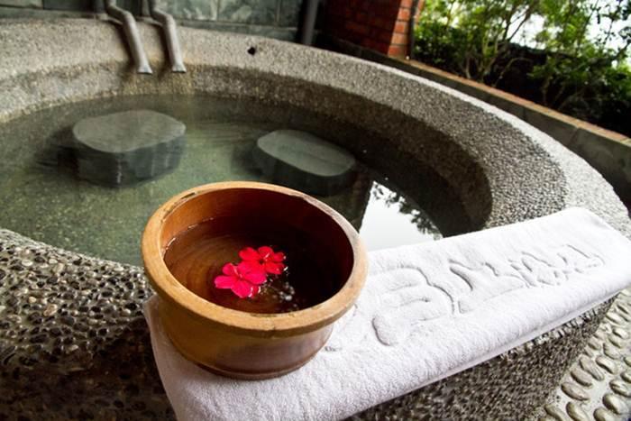 【新竹】石上湯屋-標準湯房(湯池+和式休憩區+軟墊)60-90分鐘泡湯