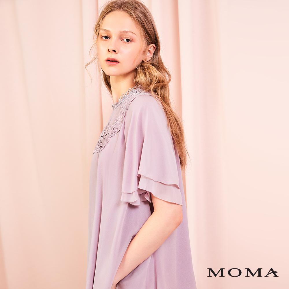 MOMA(01G091)蕾絲裝飾飄逸上衣