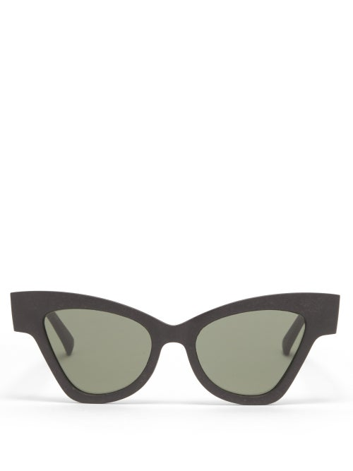 Le Specs - Hourglass Cat-eye Recycled Sunglasses - Womens - Black Green