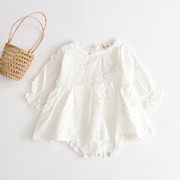刺繡花紋棉紗長袖包屁衣 新生兒 滿月 周歲 白色洋裝 童裝 嬰兒 洋裝 橘魔法 現貨