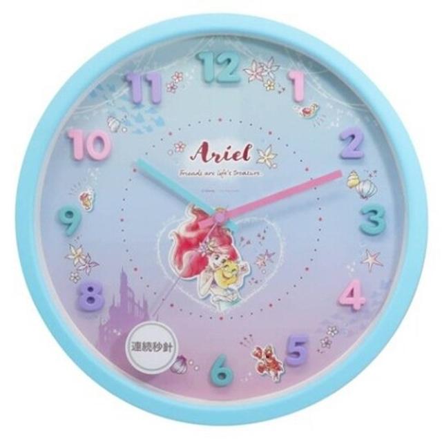 小禮堂 迪士尼 小美人魚 連續秒針圓形壁掛鐘 時鐘 壁鐘 圓鐘 (綠 立體數字)