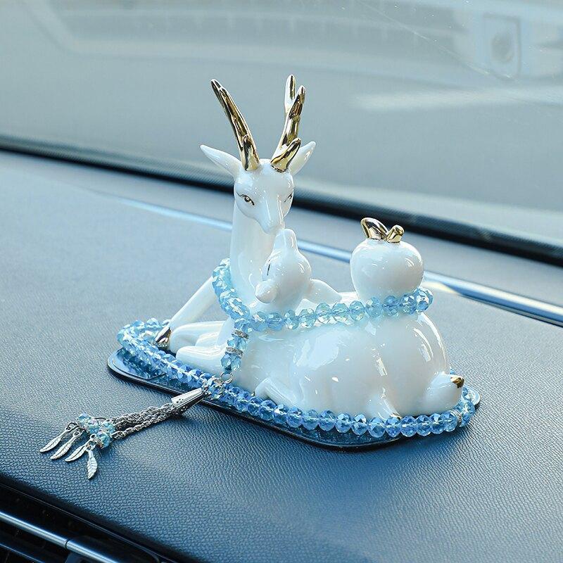 高檔車內飾品擺件鹿一路平安男士女車載香水汽車裝飾小車創意情侶