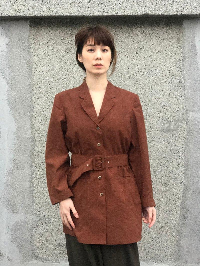 風衣型西裝外套